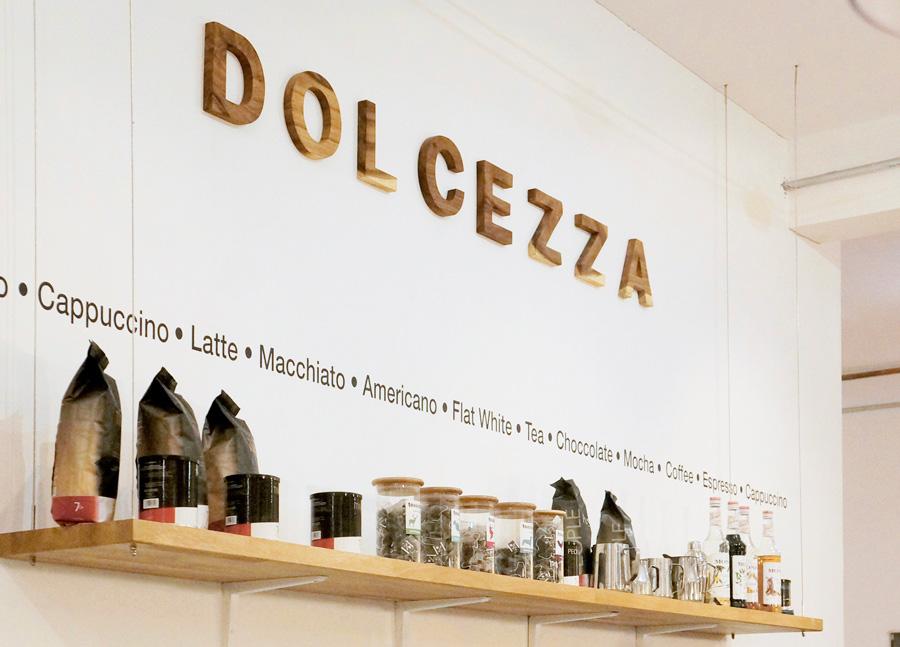 Dolcezza cafe branding