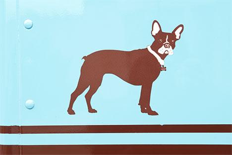 molly_moons-truck-dog