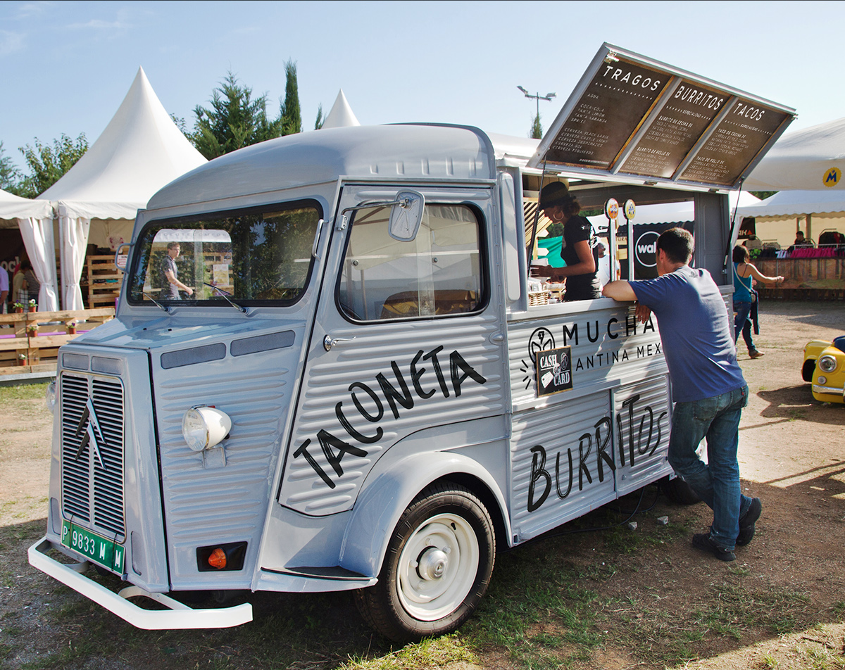 Muchalucha mexican restaurant and food truck branding in Spain by Alexandre Bonnin