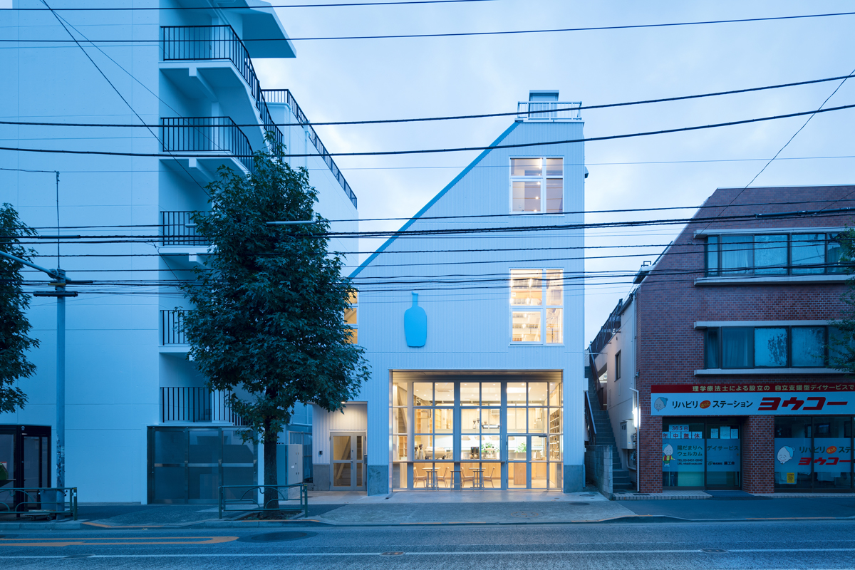 Blue Bottle Cafe Coffee architecture and interior design by Schemata Architects in Japan